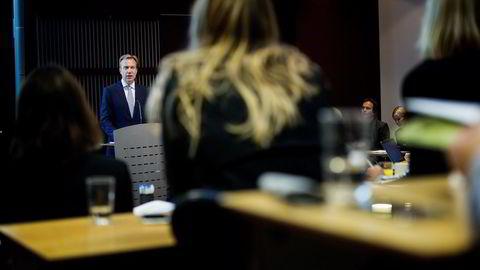 Utenriksminister Børge Brende sier sanksjonene mot Russland fortsetter med uforminsket styrke.                   Foto: Mikaela Berg