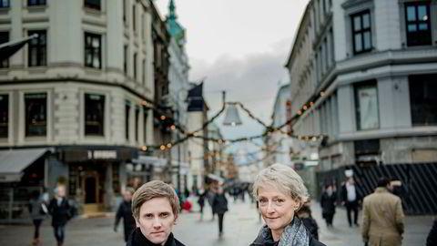 Satssekretær Reynir Johannesson og forbrukerombud Elisabeth Lier Haugseth danner felles front mot kapring av mobilkunder som er på vei til en konkurrent. Foto: Fartein Rudjord