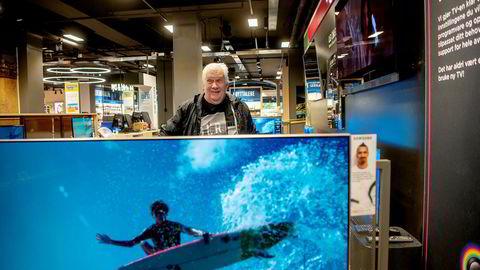 Tom Robertsen (70) mener det er for mye reality på tv. Han har brukt samme oppvaskmiddel i 20 år og ser det som lite aktuelt å bytte til et annet merke. – Ikke tale om.