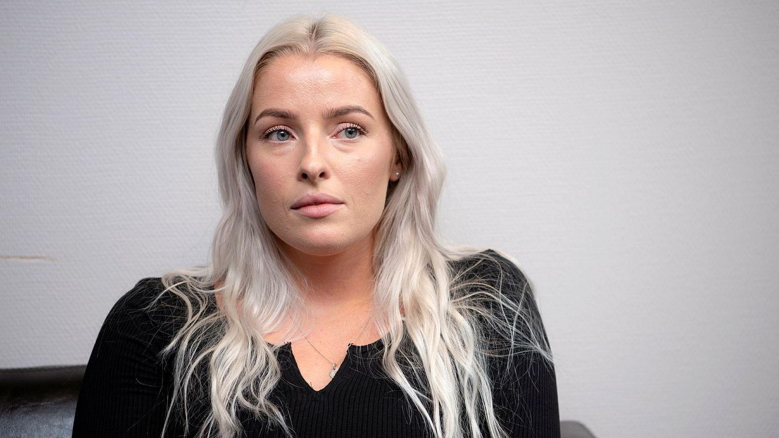 PFU behandler klagesaken mellom Sofie Bakkemyr og VG. Bakkemyr var til stede under behandlingen og ga intervjuer til pressen etterpå.