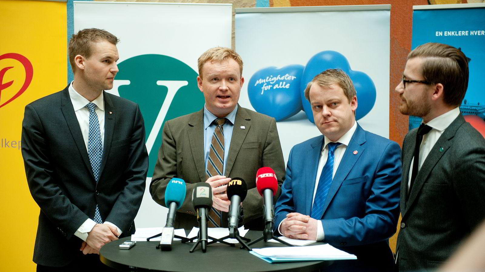 Regjeringspartiene, KrF og Venstre presenterte forslag til ny arbeidsmiljølov under en pressekonferanse i vandrehallen på Stortinget i Oslo torsdag. Foto: Jon Olav Nesvold /