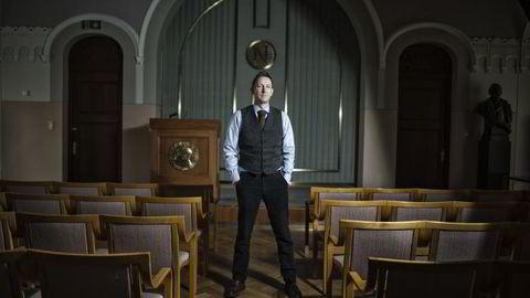 HARDHUDET: Forskningsdirektør Asle Toje ved Det Norske Nobelinstitutt mener NRK må få gjøre hva de vil. Foto: Luca Kleve-Ruud