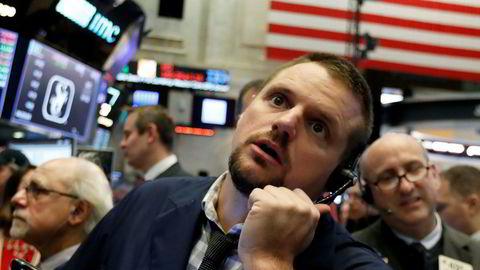 New York-børsen (Nyse) er blant de amerikanske børsene som faller hardt. Her megler Michael Milano.