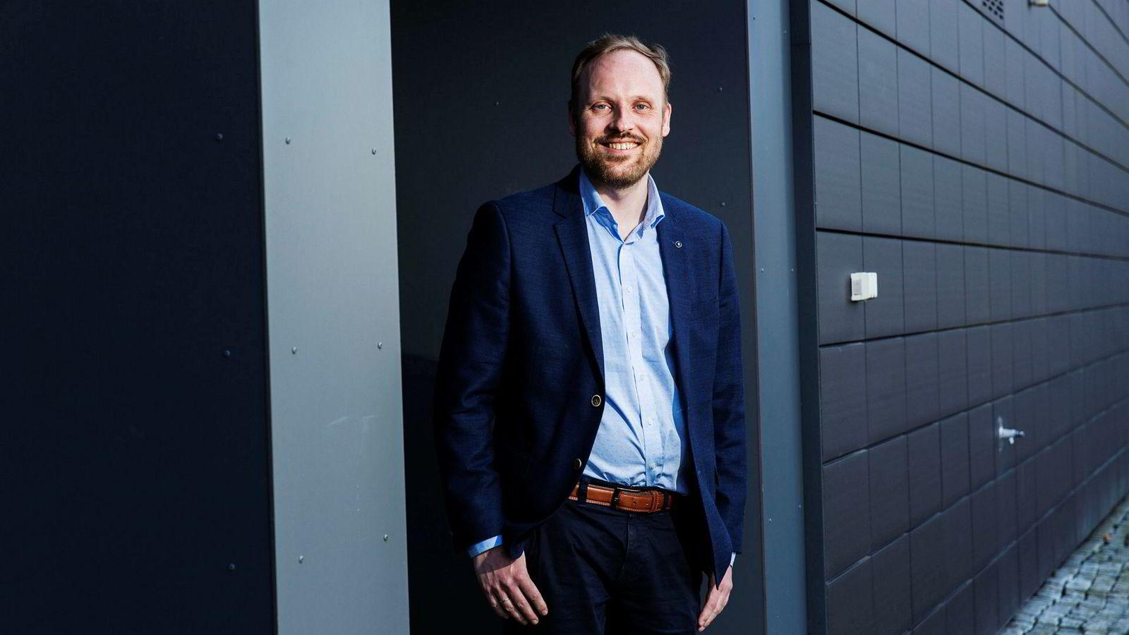 Professor Ole-Christoffer Granmo har utviklet en programvare for å tolke tekst på ulike språk. Det er allerede i bruk på Sørlandet sykehus. Nå starter jakten på 80–160 millioner kroner.