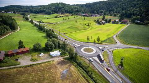 Dagens E18 mellom Arendal og Tvedestrand (bildet) skal erstattes med ny firefelts motorvei. E18 Arendal–Tvedestrand er det første prosjektet i regi av Nye veier as. Forventet kostnad er om lag 5,5 milliarder kroner. Foto: Sondre Steen Holvik