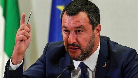 Italias innenriksminister og visestatsminister Matteo Salvini har fått nok av regjeringspartneren Femstjernersbevegelsen.