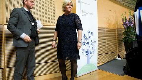 Finansminister Siv Jensen og statssekretær Jørgen Næsje. Næsje avviser Victor Normans tanker om et nytt skatteutvalg