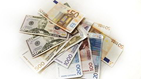 Både euro og dollar har blitt dyrere gjennom juleferien. Ilustrasjonsfoto: Lise Åserud /