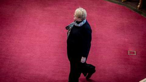 Venstre-leder Trine Skei Grande er i sonderinger med Høyre og Frp. En eventuell utvidelse av regjeringen kommer neppe på denne siden av jul.