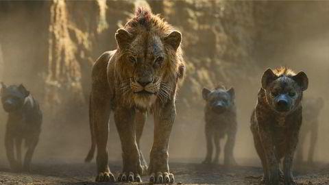 «Selve ideen – å gi folk det de vil at de vil ha, og kun det – er slapp, og det motsatte av kreativ», skrev anmelder Morten Ståle Nilsen i VG om filmen. Strategien ser ut til å fungere. På bildet kan man se løven Scar flankert av noen hyener.