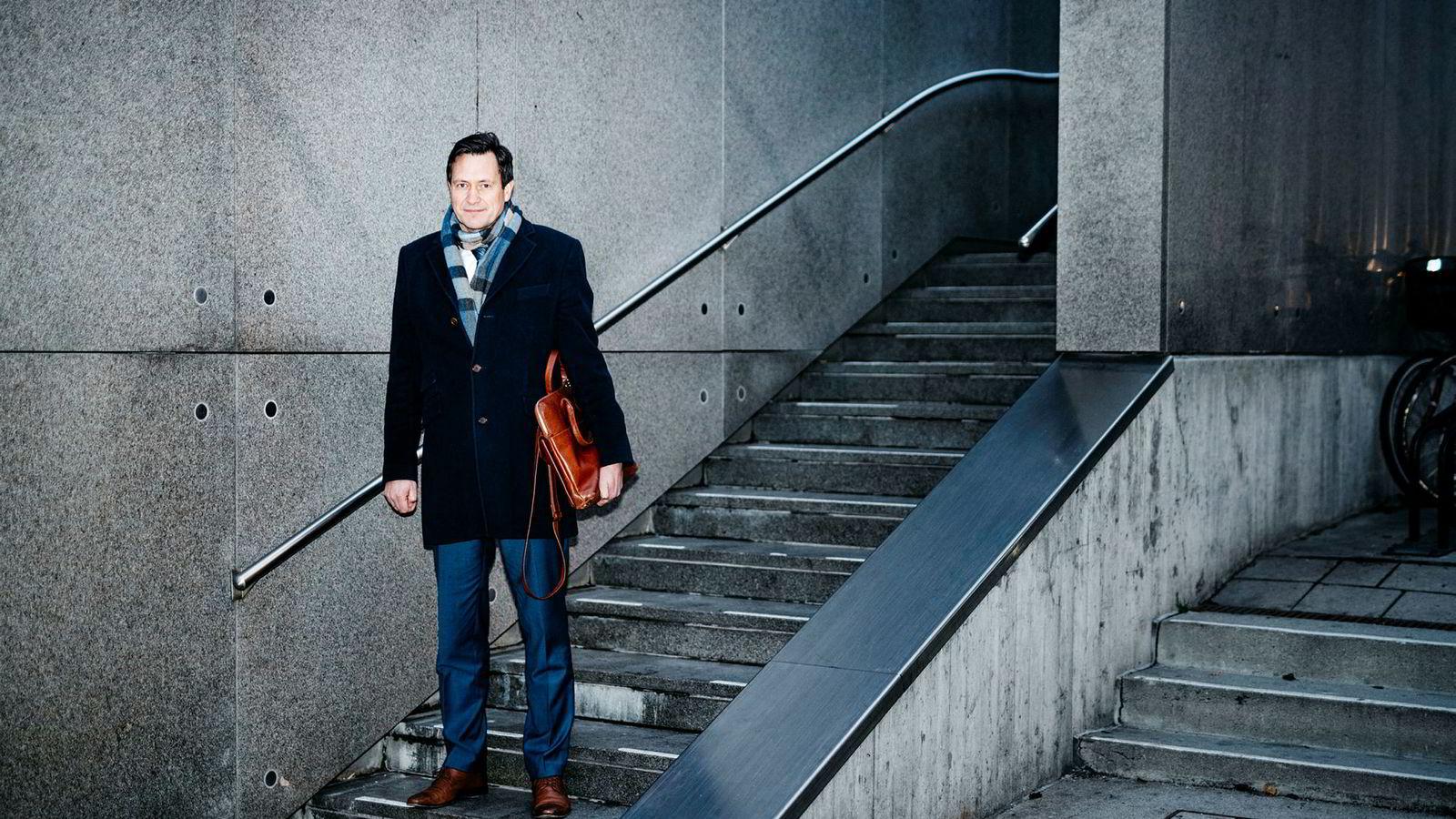 Administrerende direktør Bent Gjendem i Monobank reagerer kraftig på Bank Norwegians siste grep før rettssaken, som begynner i neste uke i Asker og Bærum tingrett.