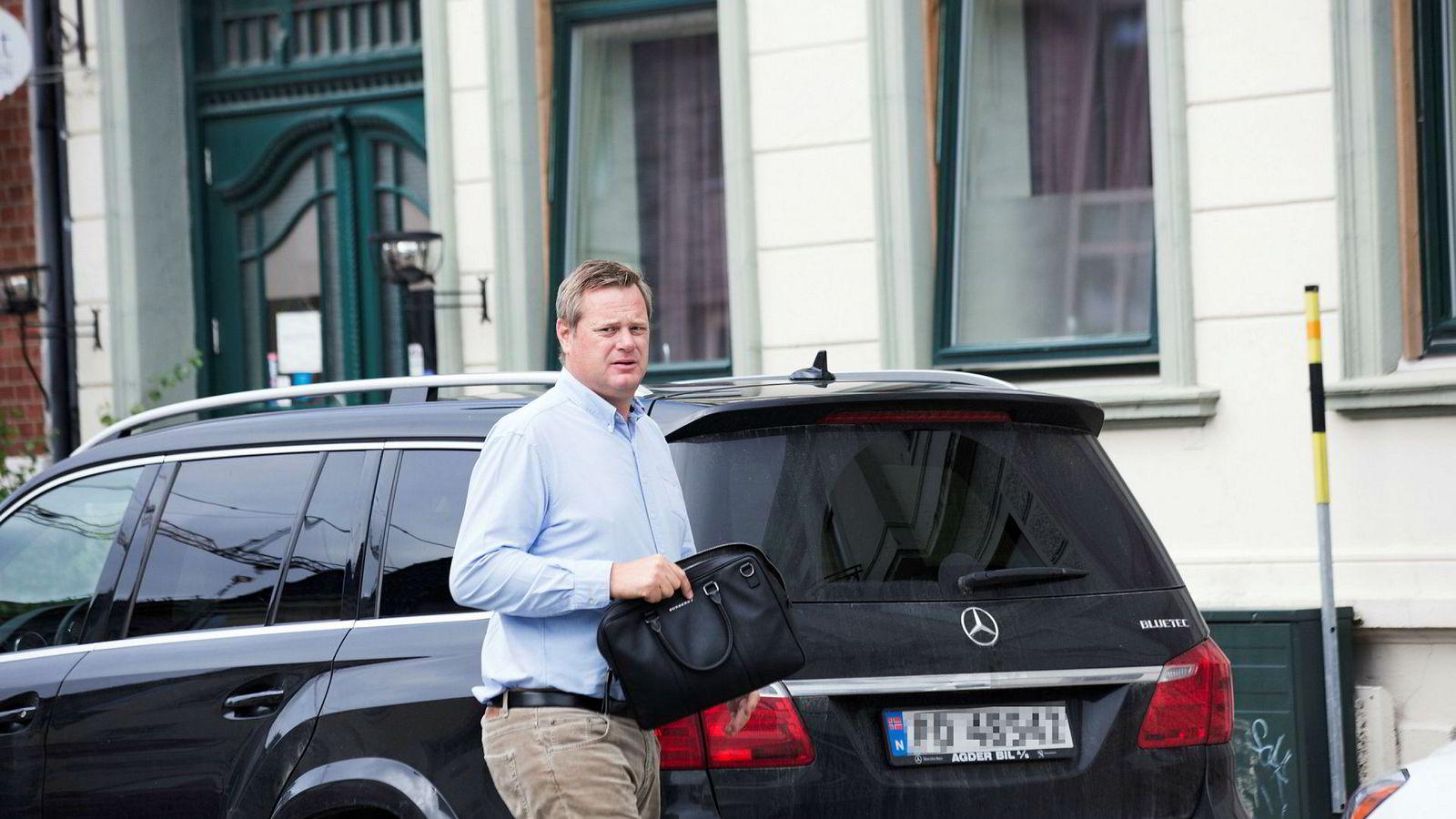 – Alle har vært nysgjerrig på hva gjør han. Og situasjonen som har oppstått, er kanskje bevis på at han har tatt enorm risiko disse årene, sier tradingsjef Jonas Åkesson i Markedskraft om krafttrader Einar Aass (bildet).