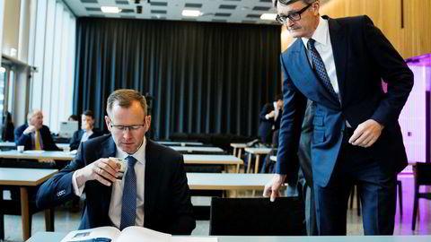Aker-sjef Øyvind Eriksen hadde få nyheter med seg da han presenterte kvartalsresultatene torsdag formiddag. Til venstre sitter finansdirektør Frank O. Reite.