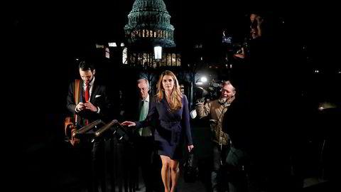 Tidligere kommunikasjonsdirektør Hope Hicks forlot jobben for vel et år siden. Nå kalles hun tilbake til Washington for å forklare seg.