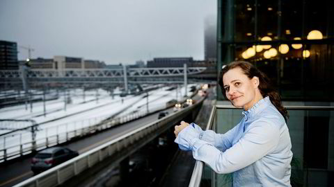 Kommunikasjonsrådgiver Gina Scholz i NSB vil ikke ødelegge tv-seernes OL-sendinger med reklameavbrudd for togselskapet. Foto: Fartein Rudjord