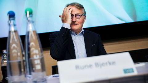 DNB, her ved konserndirektør Rune Bjerke, opplever tekniske problemer.