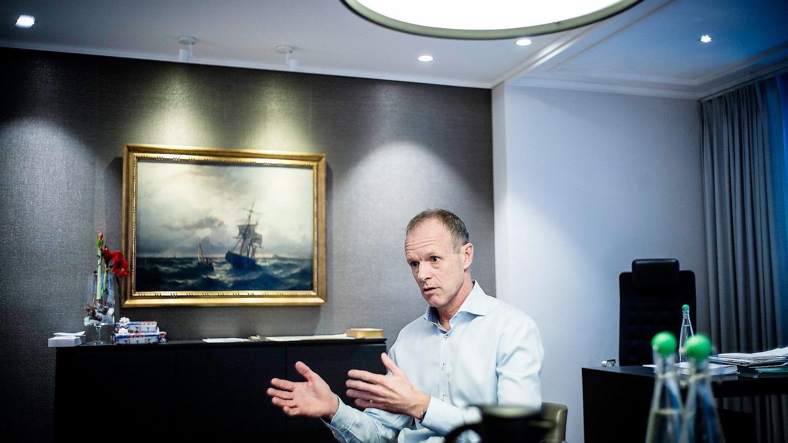 Administrerende direktør Sturla Henriksen i Rederiforbundet håper regjeringen serverer gode nyheter når den om kort tid den fremlegger sin nye maritime strategi.