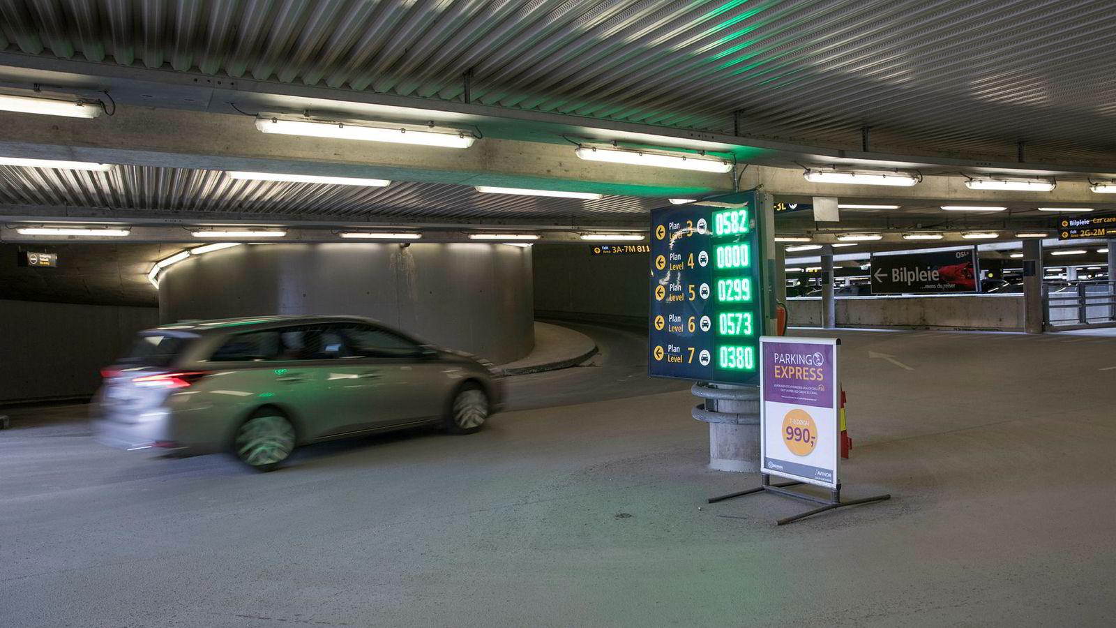 Man kan fortsatt ha gratis parkering i dyrt parkeringshus, uten å bli beskattet for fordelen.