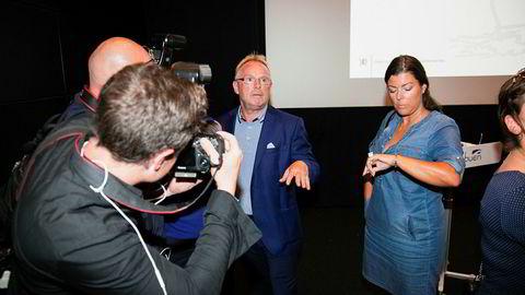 Fiskeriminister Per Sandberg (Frp) var i medienes søkelys etter et møte i Mandal torsdag.