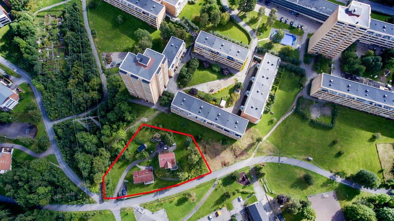 Bjarne Johan Halvorsen er vokst opp i det eldste huset på eiendommen der hans datter nå bor, og bygde selv i hagen til foreldrene på 80-tallet.