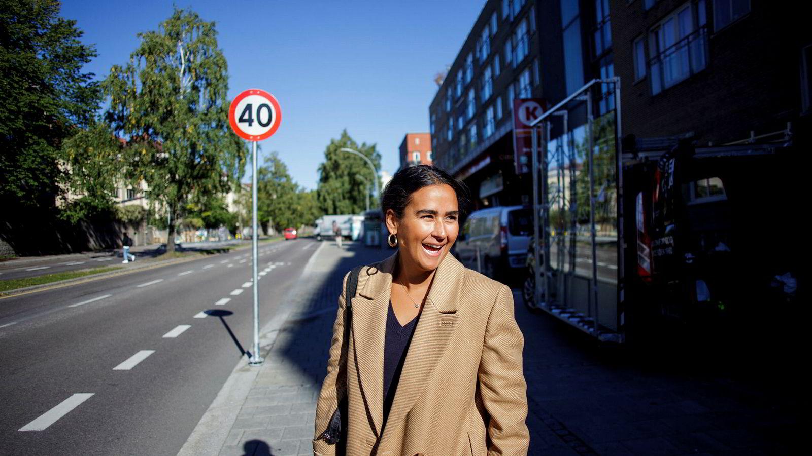 Nora Ibrahim (29) er produsent for NRKs ungdomsserie «17». Fra 1. oktober tar hun også over som konstituert leder av NRK P3s tv-redaksjon etter Håkon Moslet (45), som flytter over til nyhetene.