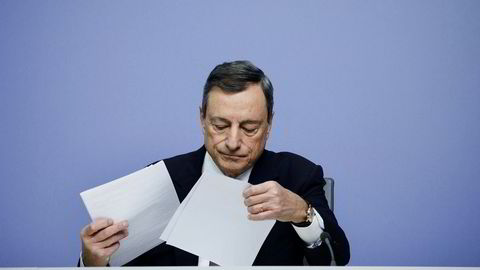 ECBs sentralbanksjef Mario Draghi legger frem rentebeslutningen for eurosonen torsdag ettermiddag.