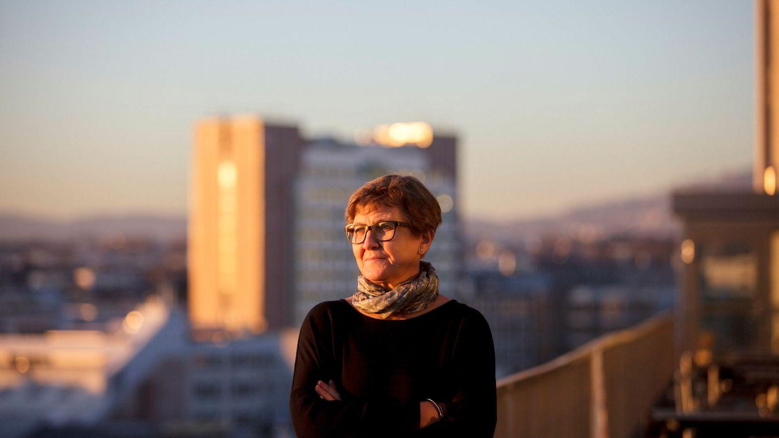 Fagforbundet-leder Mette Nord får støtte fra økonomiprofessor Steinar Holden i krangelen med Fellesforbundet.