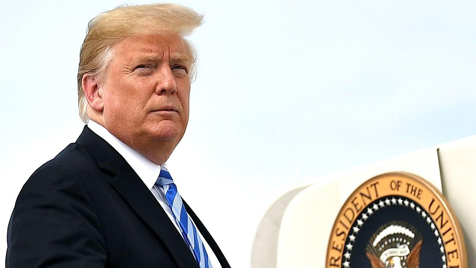 Trump følger et karakteristisk mønster: Trusler – «fire and fury» – følges av håndtrykk, en klem og plutselig, gjensidig forståelse.