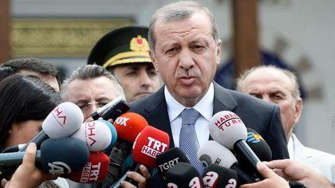 Partiet til president Tayyip Erdogan i Tyrkia faller ytterligere.
