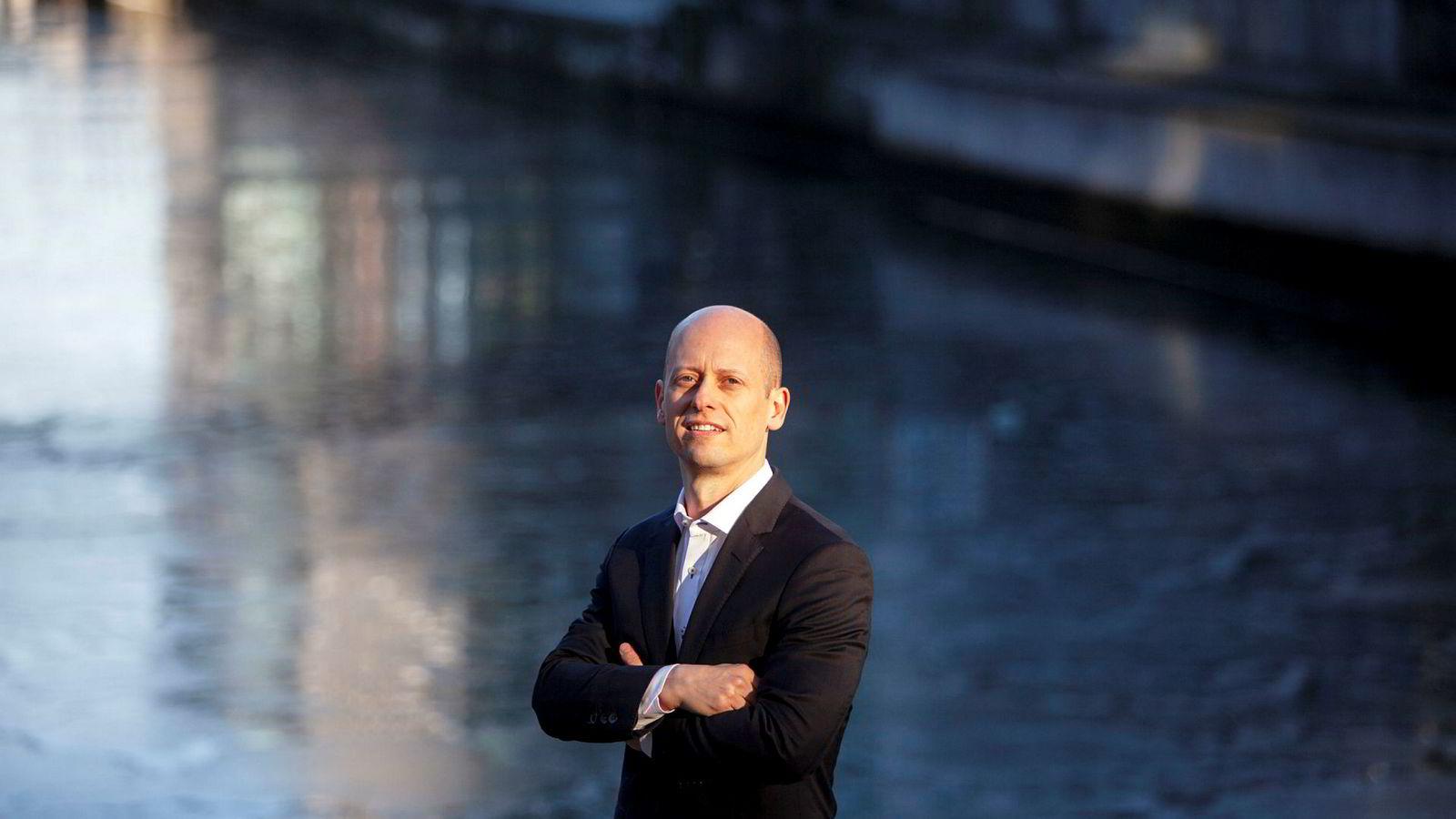 Sjefstrateg Øystein Børsum i Swedbank advarer om store konsekvenser i markedet på grunn av handelskonflikten mellom USA og Kina.