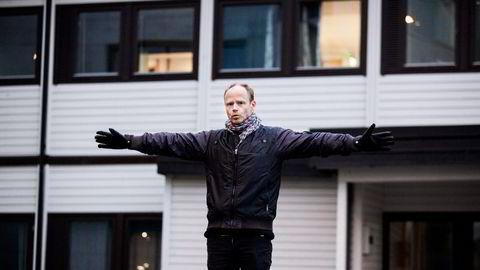 Komiker og sosiolog Harald Eia tror det blir det vanskelig for NRK å følge opp Kringkastingsrådets anbefaling om å skape et høyrevridd satiremiljø. Foto: Adrian Nielsen