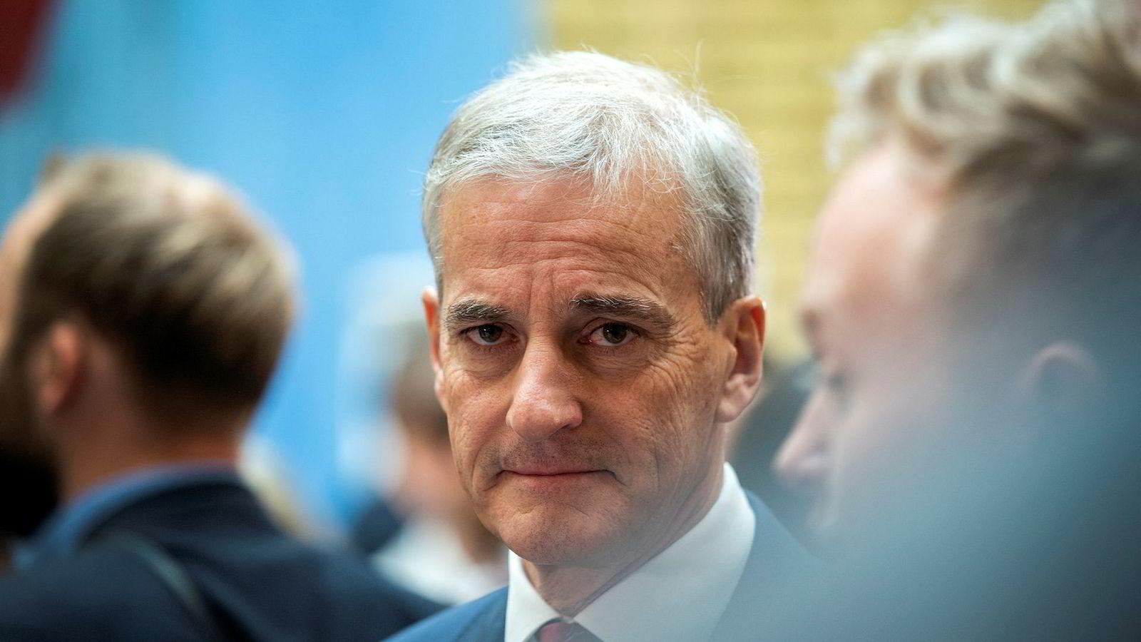 Ap-leder Jonas Gahr Støre tror Norges klimamål for 2030 kan bli utsatt. Husker han ikke hva han har vært med på å vedta?