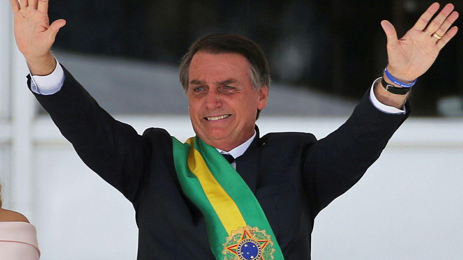 Brasils president Jair Bolsonaro er mer populær som person enn flere av hans viktigste saker.