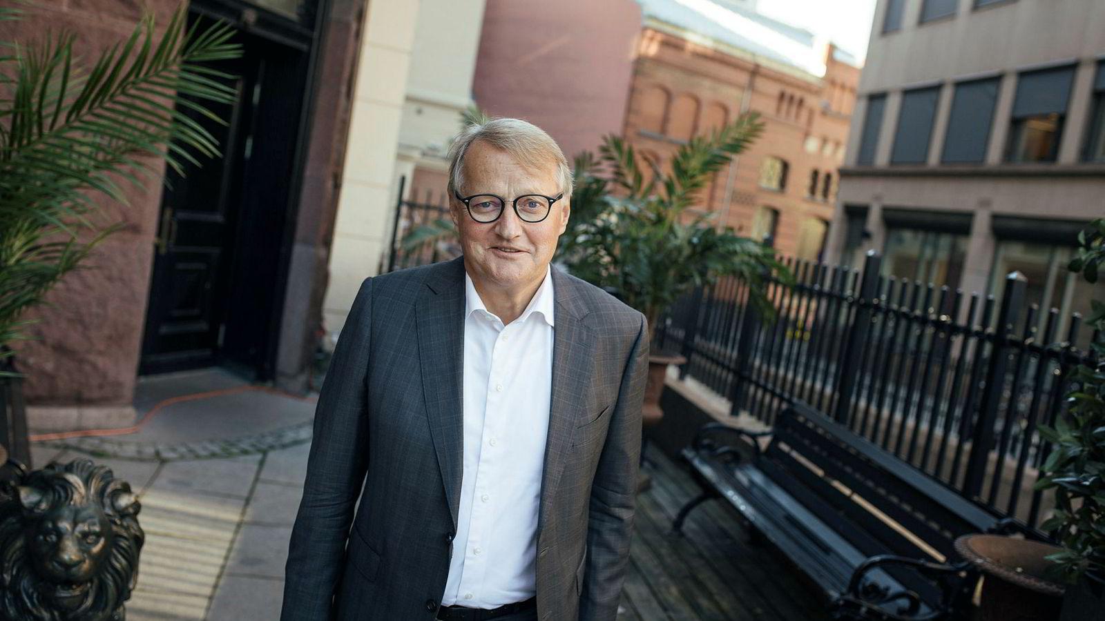 DNB-sjef Rune Bjerke er først ute med å sette opp rentene. Også andre banksjefer har falt for fristelsen.