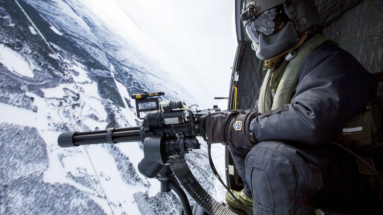 Forsvarsdebattanter snakker både om begrenset militær aktivitet i Finnmark, samtidig som landmaktutredningen argumenterer for økt tilstedeværelse i Finnmark. Her fra en vinterøvelse i Finnmark.