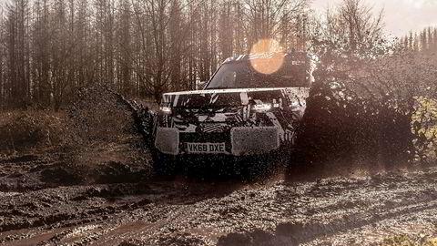 Land Rover Defender returnerer, ifølge produsenten, tøffere enn noensinne.
