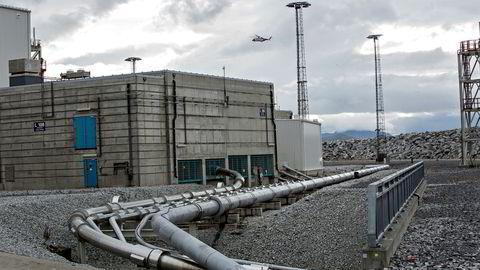Norsk oljeindustri har mange tiårs erfaring med rørdesign og sikkerhetsvurderinger knyttet til rørtransport av naturgass. Her fra Hammerfest, hvor rør med naturgass ankommer fra Snøhvit-feltet.