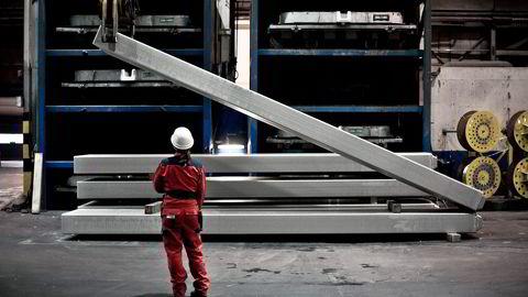 Automatisering kan redusere behovet for ufaglært arbeidskraft i industrien kraftig, og lede til ytterligere polarisering mellom en lavtlønnet servicesektor for de mange, og høytlønnede teknologiarbeidsplasser for de få. Foto: Kimm Saatvedt, Hydro