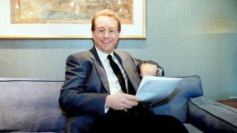 Kjell Inge Røkke, her avbildet i 2001, avviser at han har donert 300 dresser fra luksusmerker til Fretex, som drives av Frelsesarmeen. I en av dressene butikken solgte tirsdag, lå det to lapper med beskjeder til «Hr. Røkke».
