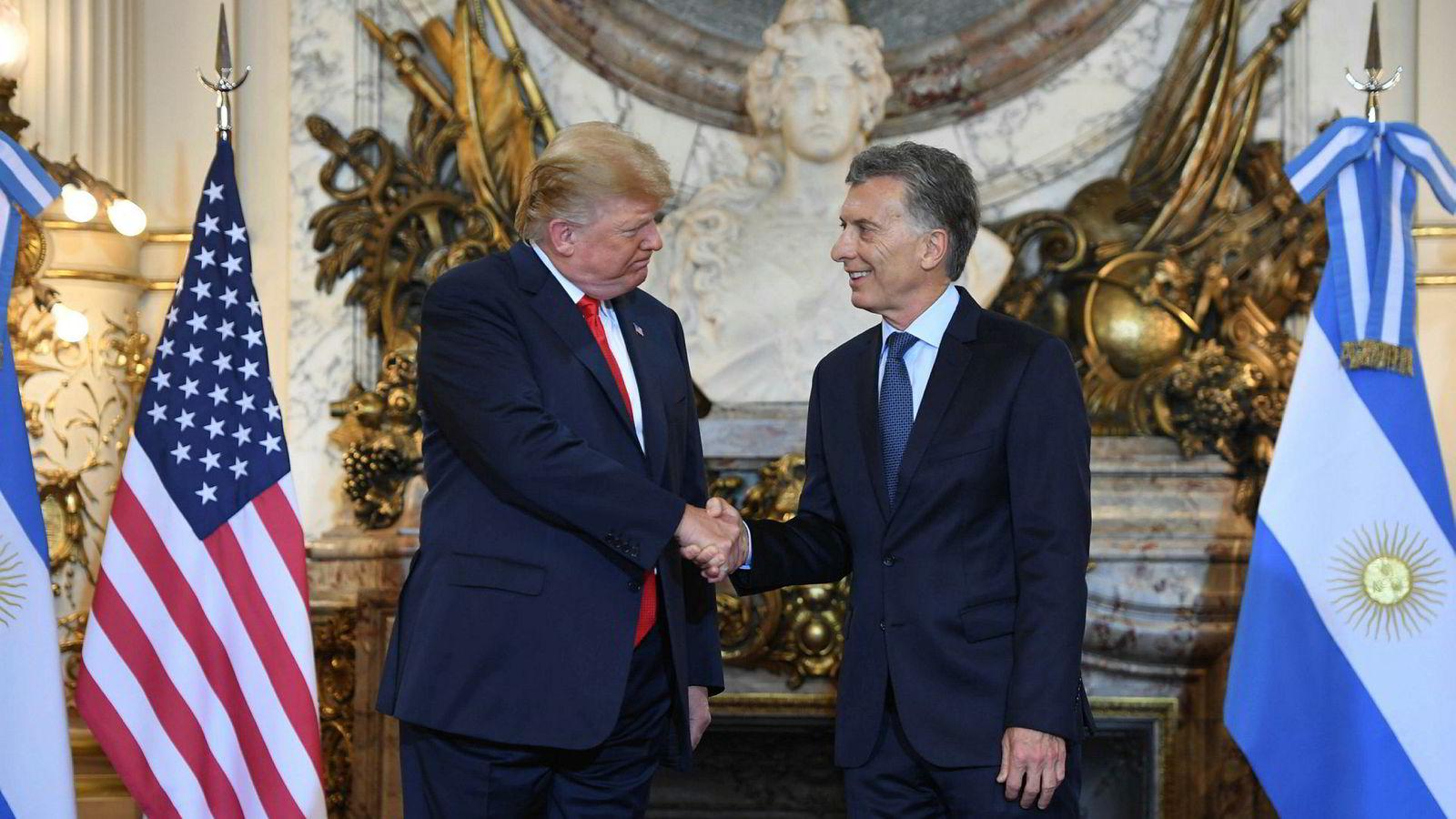 USA president Donald Trump ble fredag morgen ønsket velkommen til Buenos Aires av Argentinas president Mauricio Macri i presidentpalasset Casa Rosada.