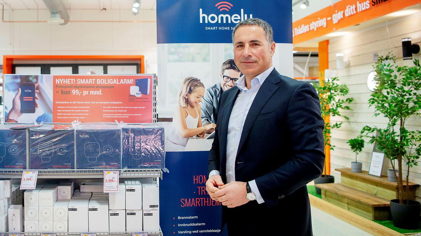 Elektroimportøren og mobilgründer Nadir Nalbant gikk i våres hardt ut mot samarbeid mellom Verisure og Sector Alarm.