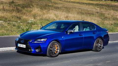 Lexus GS F byr på en V8-er av den gode, gamle sorten. Det betyr stort volum og uten pustehjelp i form av turbo. Alle foto: Embret Sæter