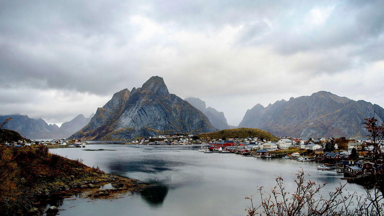 Det blir ikke oljevirksomhet her. Eller i andre deler av Lofoten, Vesterålen og Senja. Bildet er fra Reine sør i Lofoten.