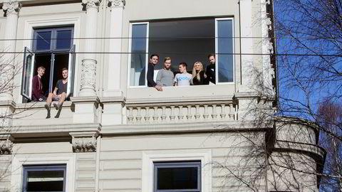 Gobi-gründerne, fra høyre: Magnus Oulie, Emma Grønningen, daglig leder Kristoffer Lande, Stian Peder Berge, Lars Erik Fagernæs, Kristian Rekstad og Andreas Øgaard.