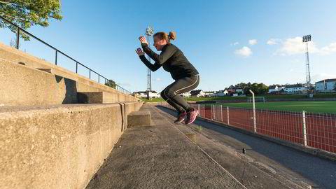 Opptatt av å spisse løpeformen? Prioriter eksplosiv styrke – gjerne i form av trappehopp – fremfor tradisjonelle styrker, råder fagfolk innen trening.