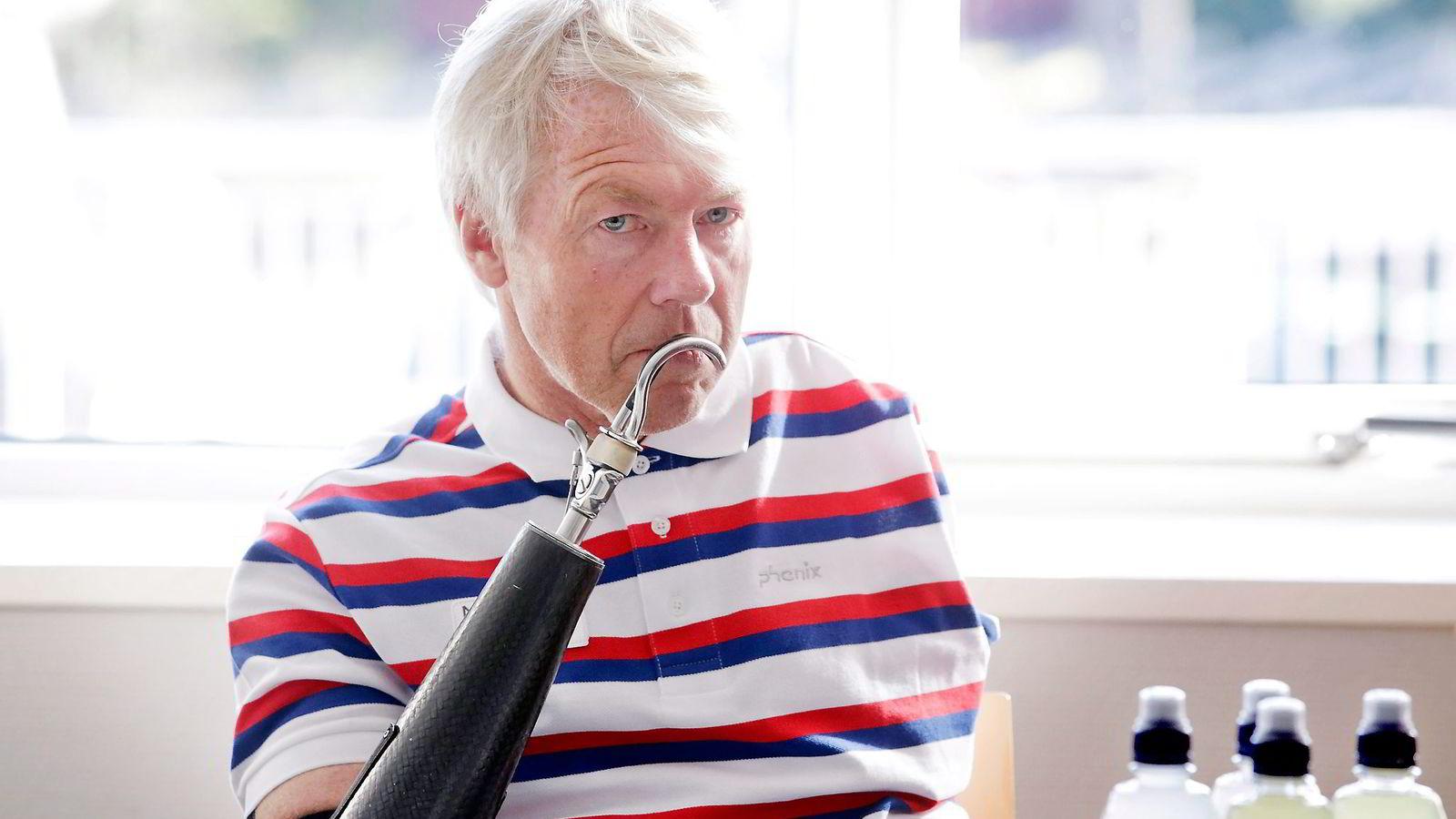 Cato Zahl Pedersen mener vi har altfor lett for å skippe jobb. En brukket arm behøver ikke være noen god grunn, mener toppidrettsutøveren uten armer. Foto: Håkon Mosvold Larsen/
