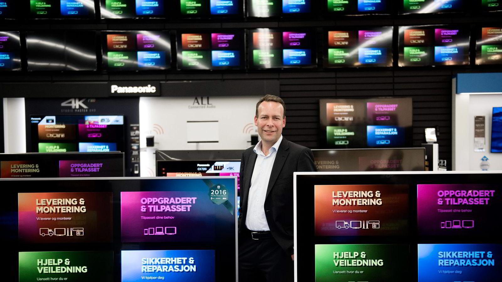 Elkjøp-sjef Jaan Ivar Semlitsch mener det er viktig å være blant de første med en nettbasert markedsplass.