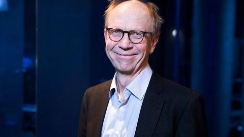 Tidligere toppsjef Knut N. Kjær i Oljefondet argumenterer for at man bør skille ut Oljefondet fra Norges Bank og gi fondets styre vide fullmakter.