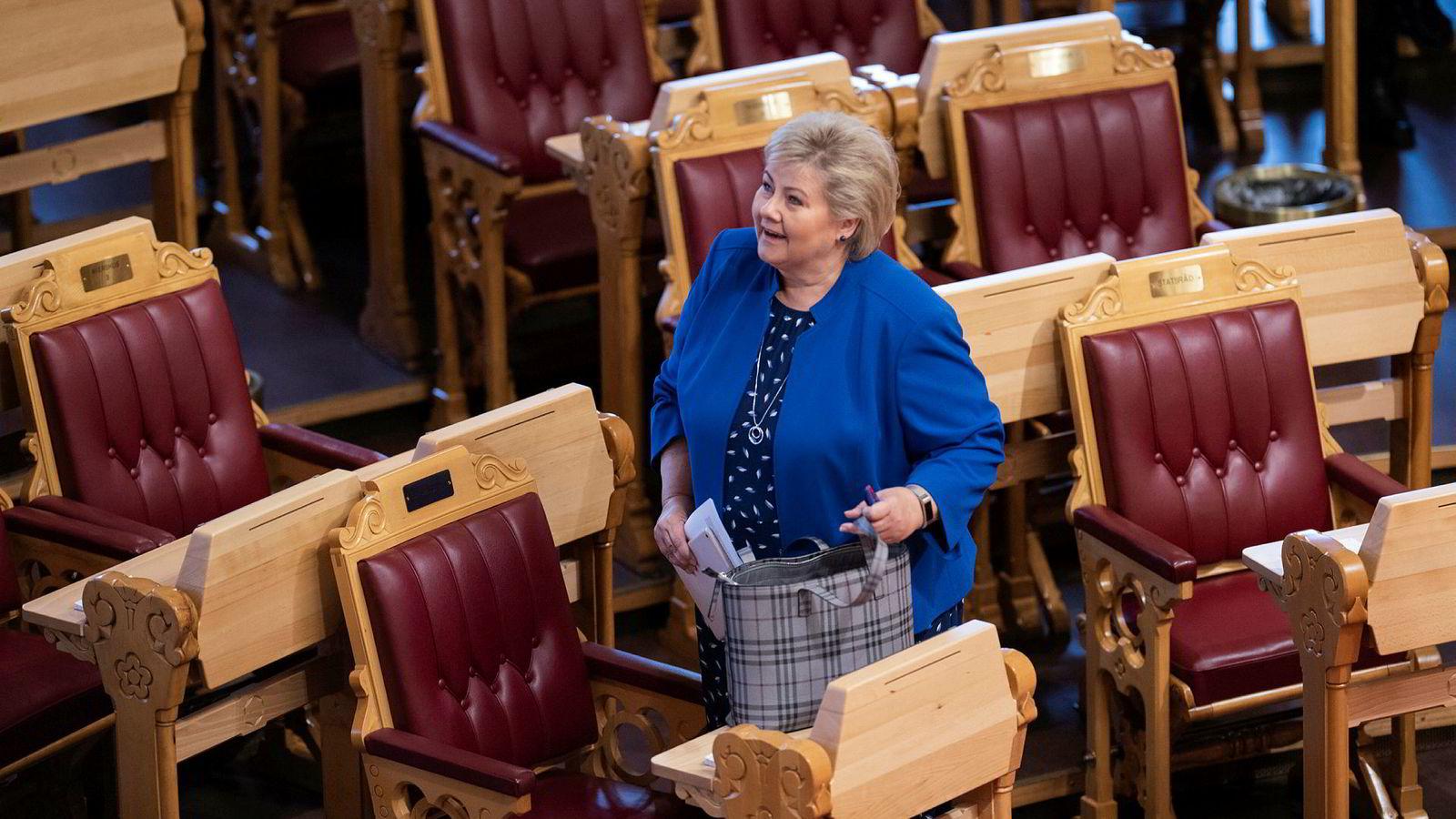 Statsminister Erna Solberg hadde med seg forberedte svar på spørsmål hun regnet med ville komme i Stortingets spontanspørretime. Klima var blant dem.