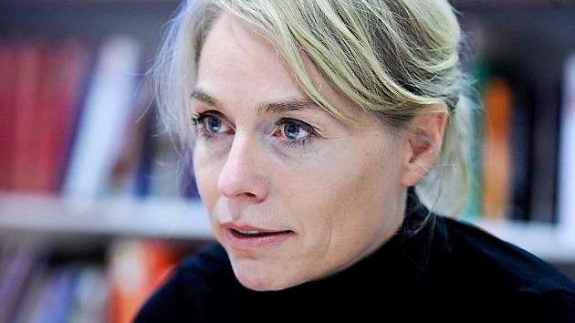 Daglig leder Merete Lie i Litteraturhuset i Fredrikstad kan takke eiendomsfamilien Fredriksen for at virksomheten fortsetter som planlagt.
